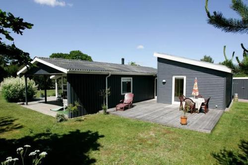 Four-Bedroom Holiday home in Hadsund 16 - фото 0