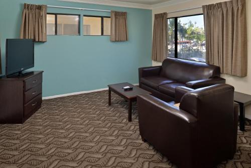An Inglewood Hotel near LAX - Rodeway Inn & Suites Photo
