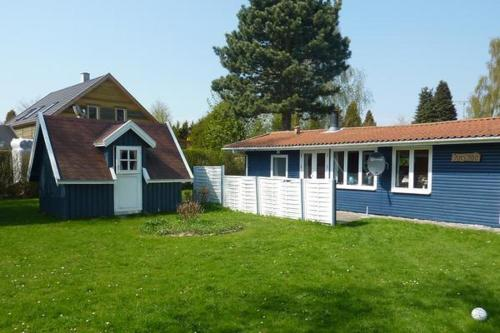 Two-Bedroom Holiday home in Faxe Ladeplads 2 - фото 0