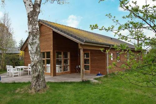 Three-Bedroom Holiday home in Grenaa 9, Грено