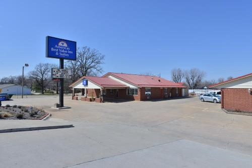 Americas Best Value Inn and Suites Siloam Springs Photo