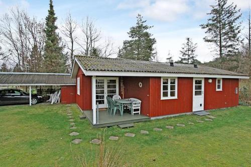 Two-Bedroom Holiday home in Væggerløse 39 photo