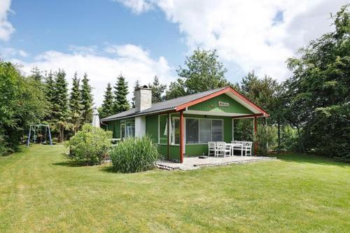 Two-Bedroom Holiday home in Hadsund 16, Haslevgårde