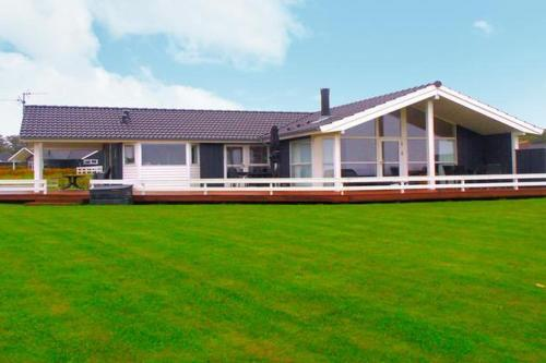Three-Bedroom Holiday home in Sydals 13, Vibøge