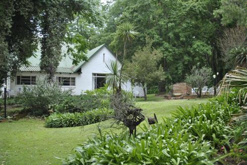 Drakensberg Bush Lodge Photo