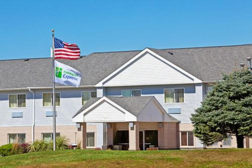 Photo of Holiday Inn Express Sioux City - Lakeport Street Hotel Bed and Breakfast Accommodation in Sioux City Iowa