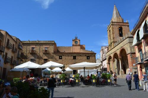 The House of Castle Apartments Castelbuono