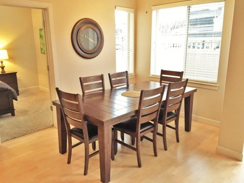 Downtown Condo Near Convention Center Disability Access by Wasatch Vacation Homes Photo