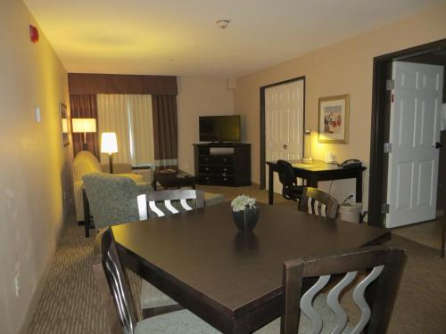 Best Western Plus Saint Rose Parkway/Las Vegas South Photo