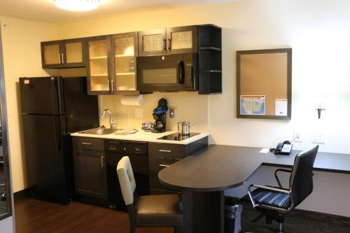 Candlewood Suites Bloomington Photo