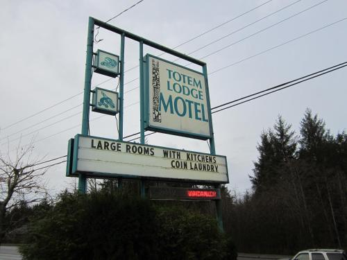 Totem Lodge Motel Photo
