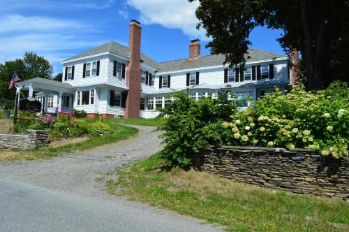 The Brewster Inn Photo