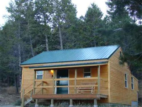 Yellowstone Cabins Photo
