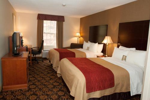 Comfort Inn Boston / Rockland Photo