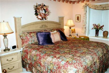 Toad Hall Manor Bed and Breakfast Photo