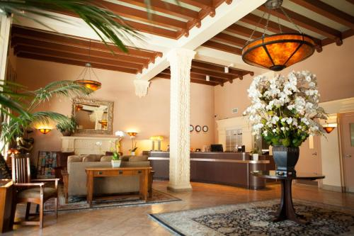 Hotel Carmel By The Sea - Santa Monica, CA 90401