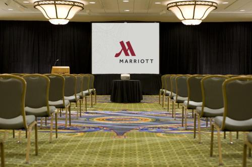 Washington Dulles Airport Marriott Photo