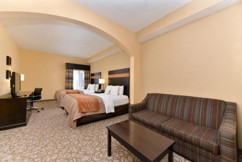Comfort Inn & Suites at Stone Mountain Photo