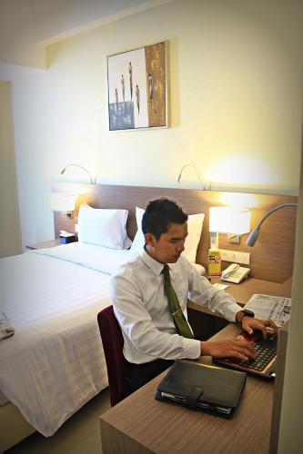 Biz Hotel Batam photo 45