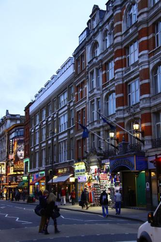 The Piccadilly London West End photo 2