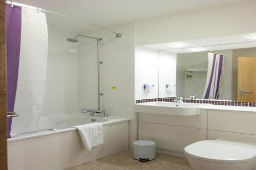 Premier Inn London Putney Bridge photo 16