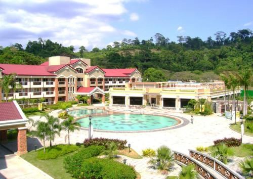 Subic Holiday Villas Photo
