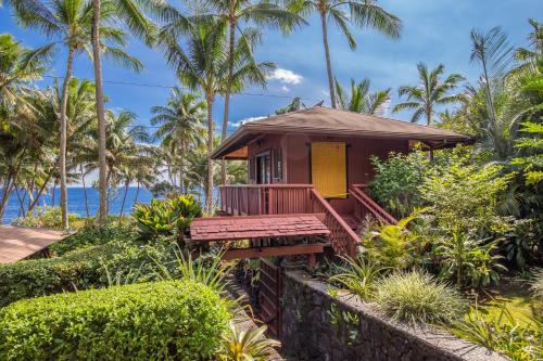 The Bali House & Bali Cottage at Kehena Beach Photo