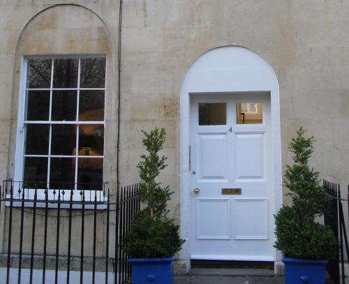 Photo of Bath Norfolk Buildings Apartments Self Catering Accommodation in Bath Somerset