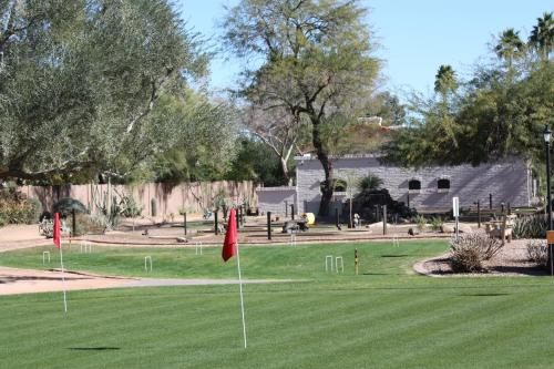 Scottsdale Camelback Resort Photo