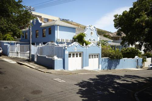 The Blue House Guesthouse Photo