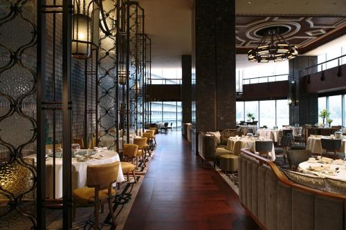 Renaissance Hong Kong Harbour View Hotel, A Marriott Luxury & Lifestyle Hotel photo 47