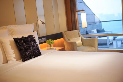 Renaissance Hong Kong Harbour View Hotel, A Marriott Luxury & Lifestyle Hotel photo 57