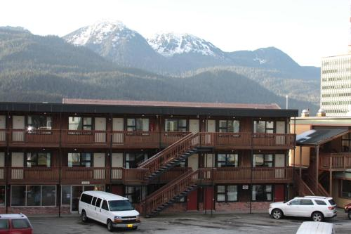 Photo of The Driftwood Hotel hotel in Juneau