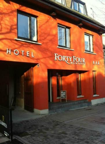 Hotel Forty Four Main Street
