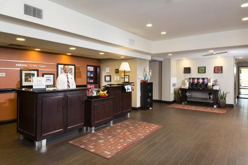 Hampton Inn & Suites Las Vegas South Photo