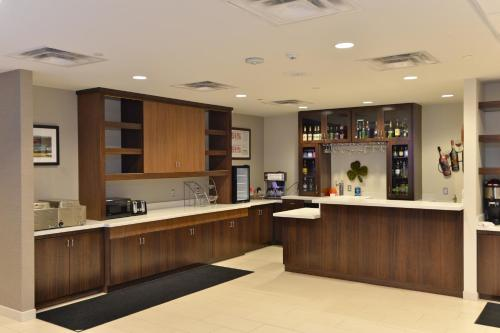 Hawthorn Suites by Wyndham El Paso Photo