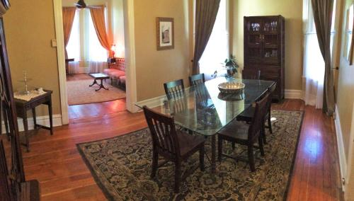 Historic Pugsley Manor House by Wasatch Vacation Homes Photo