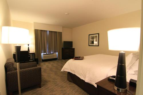 Hampton Inn & Suites Airdrie Photo
