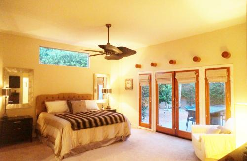 Holiday Home Santa Fe - La Quinta, CA 92253