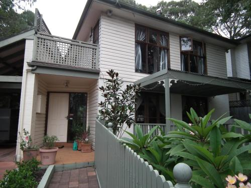 Frenchs Forest Bed and Breakfast - sydney -