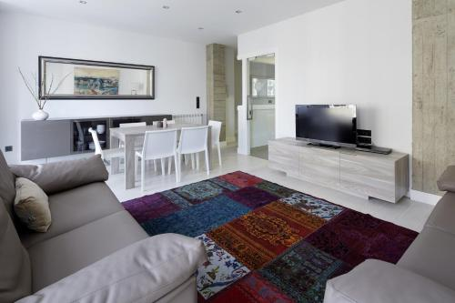 Gros Beach Apartment by FeelFree Rentals - фото 0