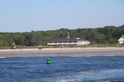 The Seaside Inn Photo