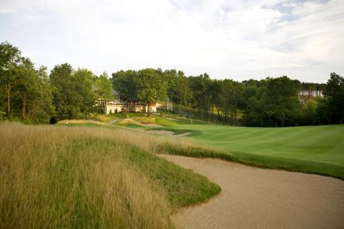 Picture of Yarrow Golf and Conference Resort