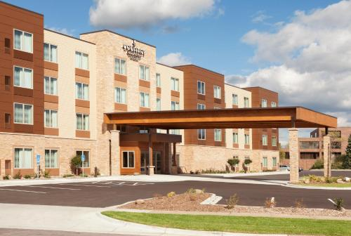 Country Inn & Suites Roseville Photo