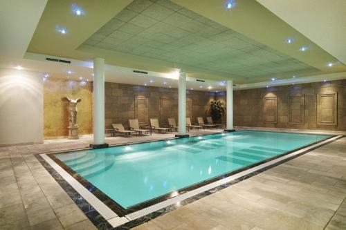 Charme hotels en bed and breakfast logies belgie online for Piscine ypres