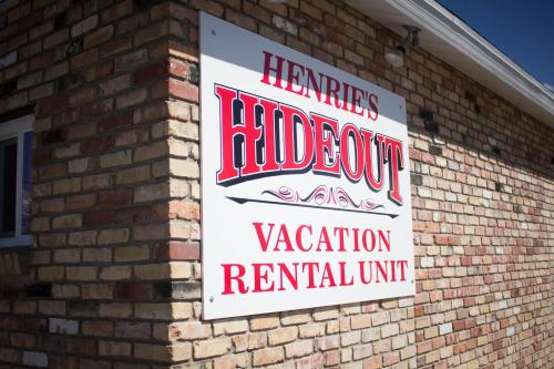 Henrie's Hideout Photo