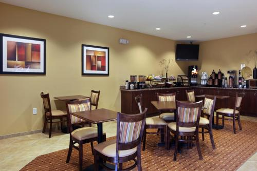 Microtel Inn and Suites by Wyndham Anderson SC Photo