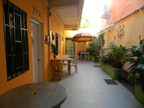 Hotel Bella Sombra Guest House Downtown