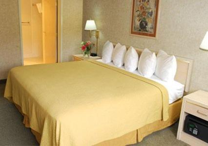 Quality Inn Near Seattle Premium Outlets - Arlington, WA 98223