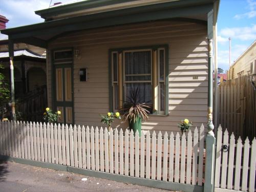 Bed & Breakfast At Stephanie's in Melbourne from AU$180